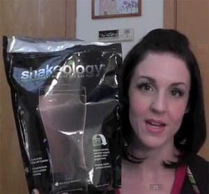 Unbiased Chcoloate & Greenberry Shakeology Review from Susan (YouTube: Starbound25)